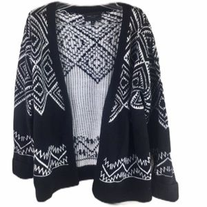 Romeo & Juliet Couture Black & White Aztec Sweater